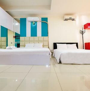 Family Studio Room At Ancol Mansion Apartment By Travelio photos Exterior