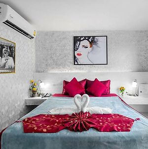 The Shades Boutique Hotel - Great Location 1 Minute Walk To Beach & 5 Minutes Walk To Bangla Road photos Exterior