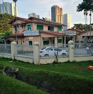 Southern Guest House In Johor Bahru 7Min To Ciq 16Min To Singapore photos Exterior