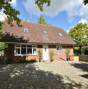 Lyndhurst Cottage, Peasmarsh Near Rye, Sleeps Up To 6 Guests photos Exterior