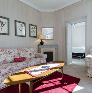 Three Bedroom Two Bathroom Apartment In Center Of Cannes On Quiet Street Minutes From The Palais 353 photos Exterior