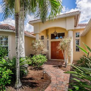 4 Bed 4 Bath Apartment In Cape Coral photos Exterior