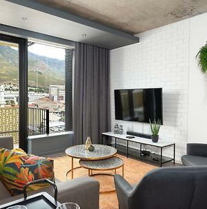 Wex1 516 Stylish Two Bedroom With Balcony photos Exterior