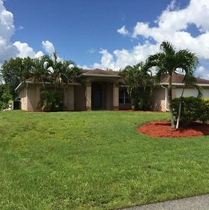 Villa Cape Coral Paradise Vacation Home 4 2 Pool Jacuzzi Cape Coral Florida photos Exterior