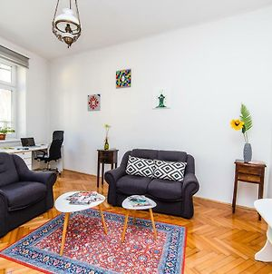 Bright And Sunny Apartment In The City Center! photos Exterior