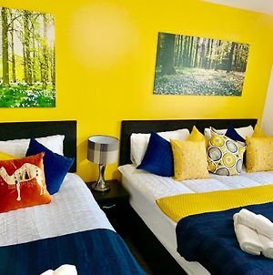 2 Bedrooms Modern Apartment, Lounge, Full Kitchen, Balcony, 5 Minutes Stratford Station photos Exterior