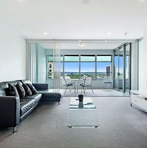 Iconic Q Surfers Paradise 1 Bed Study Apartment photos Exterior