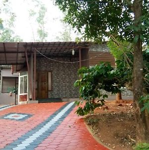 Rustic Charm Wayanad - House Of Views Entire Villa photos Exterior