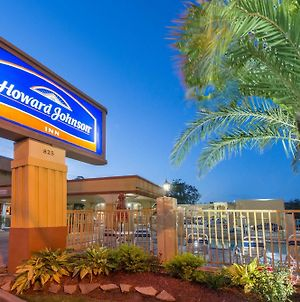 Howard Johnson By Wyndham Historic Lake Charles photos Exterior