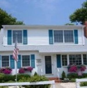 North Beach Haven Oceanside Cape Cod Close To Beach And Walking Distance To Beach Haven Attractions. Multi Level Decks With Shade Trees 123362 photos Exterior