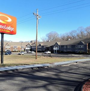 Econo Lodge Inn & Suites Groton photos Exterior