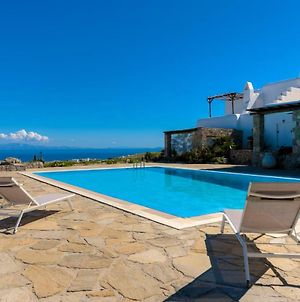 Carmelita Villa With Pool By Stylish Stays photos Exterior