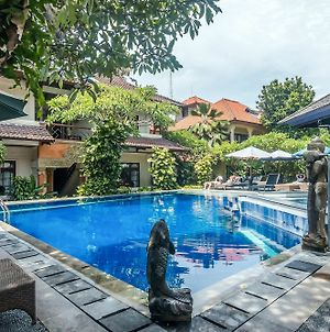 Zen Rooms Seminyak Taman Petitenget photos Exterior