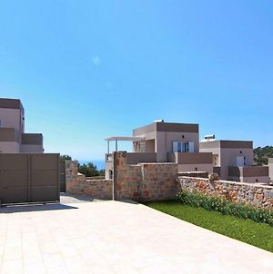 Visit Crete With Your Family And Stay At This Wonderful 2 Bedroom Villa. photos Exterior