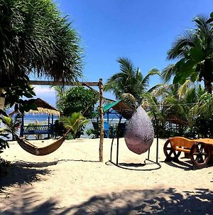 Traditional Filipino Resthouse In Patar - Beachfront photos Exterior