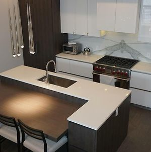 Stunning, Contemporary Ski-In Ski-Out 3Br Residence- Canyons Condo photos Exterior