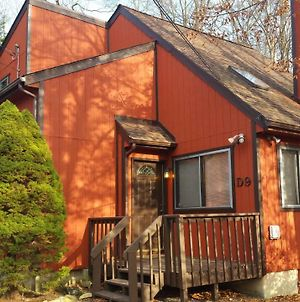 Mountain Home Near Camelback Skiing, Tubing Kalahari Waterpark, Casino Centrally Located In Pocono Mt photos Exterior
