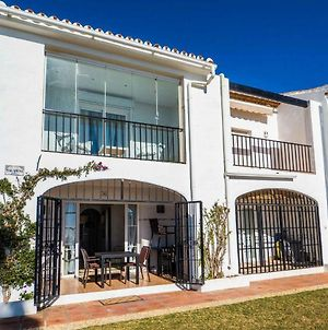Cozy Beach Front House With Open Sea Views Located In Calahonda Only Few Minutes Away From Marbella - Costa Del Sol - Cs120 photos Exterior