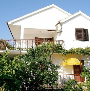 Apartments Mirja - 100M From The Beach & Parking photos Exterior