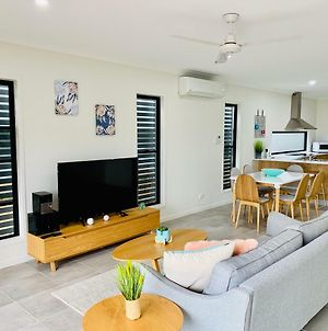 Airlie Beach Delight. Hop, Skip Jump To Everything photos Exterior