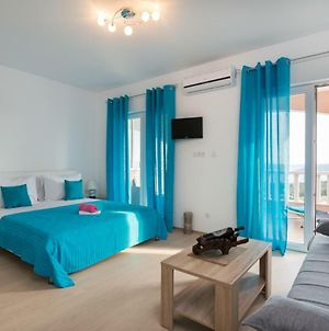 Apartments With A Parking Space Seget Vranjica, Trogir - 12499 photos Exterior