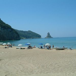 Holiday Studio Apartments Yannis On The Beach Of Agios Gordios In Corfu photos Exterior
