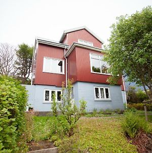3 Storey, 5 Bedroom, 3 Bathroom House In The Center Of Torshavn photos Exterior