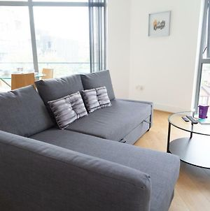Serviced Apartment In Liverpool City Centre - Free Parking - Balcony - By Happy Days photos Exterior