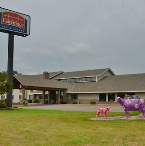 Fairbridge Inn & Suites In Thorp, Wi photos Exterior