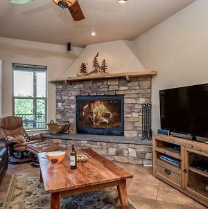 Adobe Mountain Views, 4 Bedrooms, Sleeps 10, Jetted Tub, Hot Tub, Fireplace photos Exterior