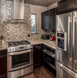 Fifth Dimension, 2 Bedrooms, Wifi, Hot Tub, Game Table, Grill, Sleeps 4 photos Exterior