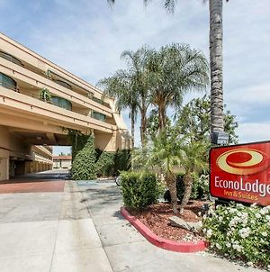 Econo Lodge Inn & Suites Riverside - Corona photos Exterior