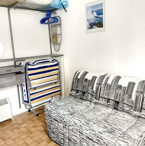 Studio In Gruissan With Wonderful City View And Pool Access 300 M From The Beach photos Exterior