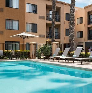 Courtyard By Marriott Huntington Beach Fountain Valley photos Exterior