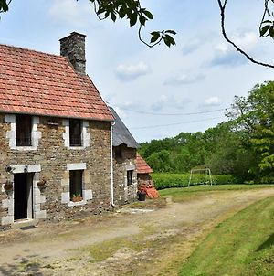 Lovely Holiday Home Amidst Meadows In Sourdeval-Les-Bois photos Exterior