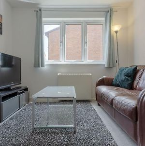 1 Bedroom Apartment 10 Minutes From Surrey Quays Station photos Exterior