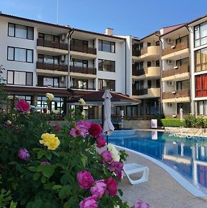 Summer Apartments In Complex Viyana Nessebar photos Exterior