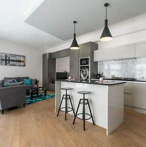 2 Bed Penthouse Style House In Camden Town photos Exterior