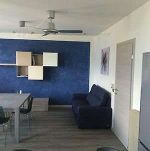 Large Apartment With Garden 100 Meters From The Lake photos Exterior
