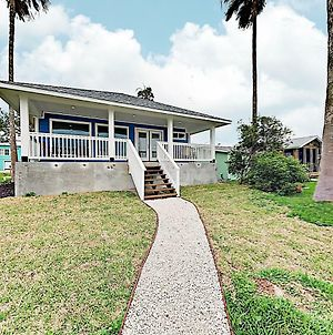New Listing! Copano Bayfront Haven: Dock, Near Beach Home photos Exterior