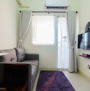 Tranquil 2Br @ Green Pramuka Apartment By Travelio photos Exterior
