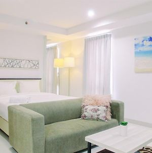 Spacious Studio Apartment @ Azalea Suites By Travelio photos Exterior