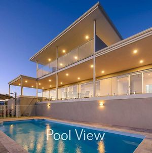 32 Corella Court - Private Jetty And Pool photos Exterior