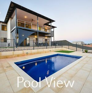 6 Corella Court - Private Jetty & Pool photos Exterior