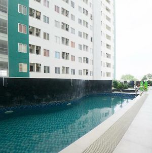 Reddoorz Apartment Near Bundaran Satelit Surabaya photos Exterior