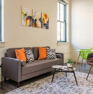 Fresh & Modern 1Br In The Heart Of The City With Gym photos Exterior