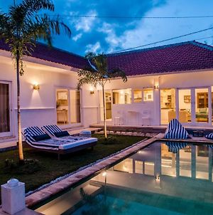 Charming Private Seminyak 3 Bedroom Villa photos Exterior