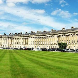 Stunning Royal Crescent Apartment With 3 Bedrooms photos Exterior