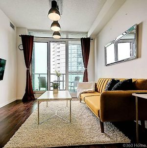 Instant Suites- Luxurious 1Br In Heart Of Downtown With Balcony photos Exterior