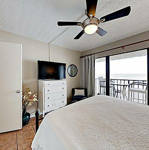 New Listing! Remodeled Beach-View Retreat With Pool Condo photos Exterior